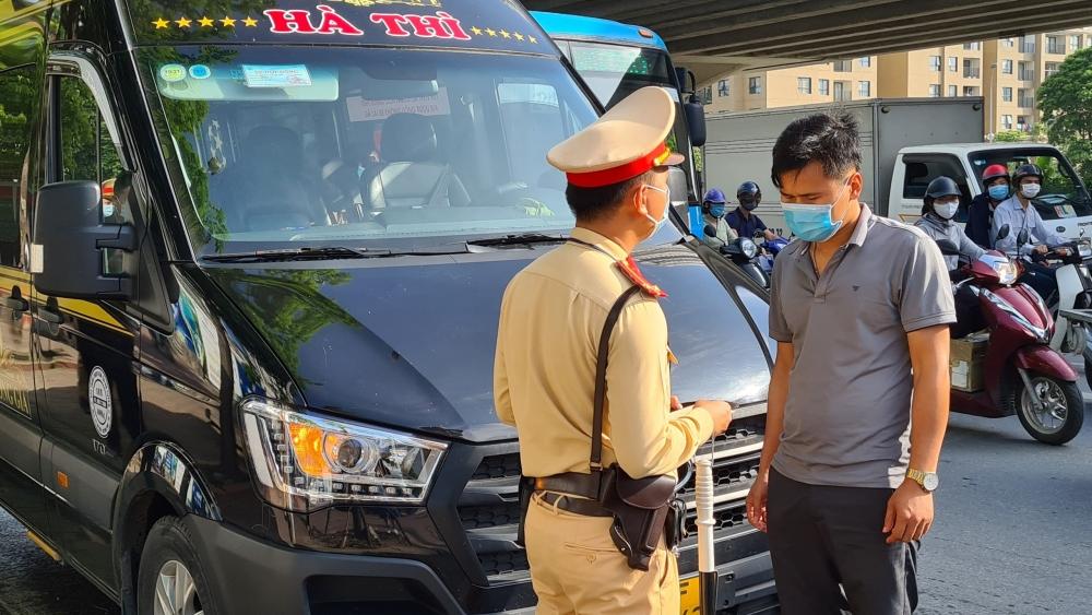 Đảm bảo an toàn phòng dịch trên các tuyến xe khách liên tỉnh