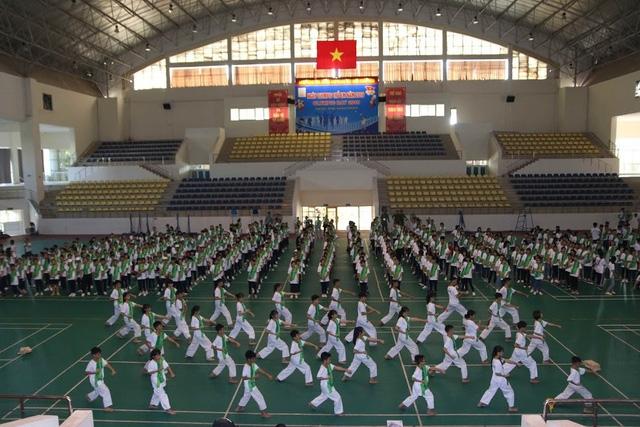 hon 500 hoc sinh tham gia ngay olympic tre em tai ha noi