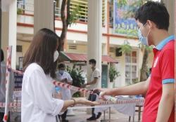 35 học sinh Hà Nội diện F0, F1 được tuyển thẳng vào lớp 10
