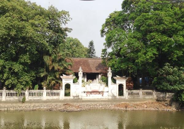 Đình Phú Lương ở xã Quảng Phú Cầu (huyện Ứng Hoà)