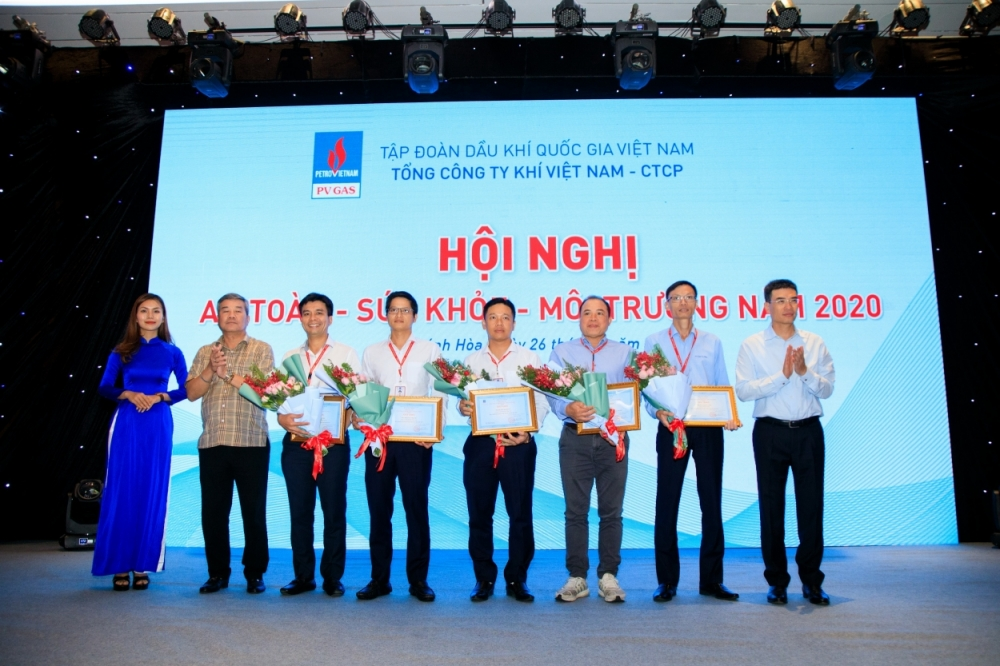 5040 khen thuong tai hn at 1756