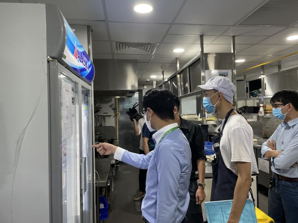 Kiểm tra tủ bảo quản thực phẩm