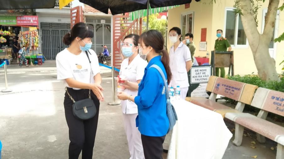 Thanh niên quận Hai Bà Trưng tham gia diễn tập