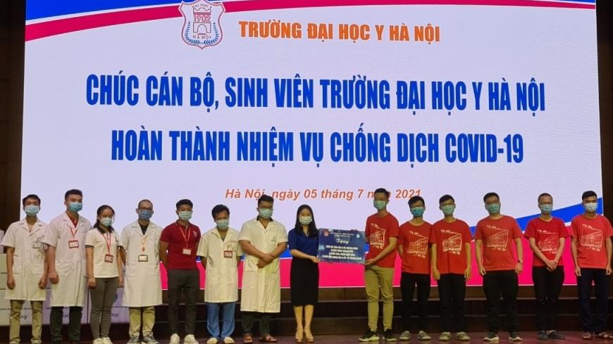 350 sinh viên ĐH Y Hà Nội lên đường tham gia phòng chống dịch tại Bình Dương
