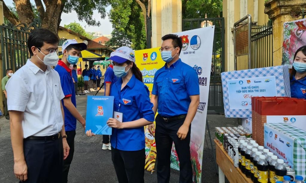Động viên các tình nguyện viên
