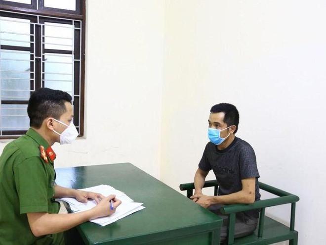 Hà Tĩnh: Khởi tố, bắt tạm giam đối tượng vung dao dọa chém cảnh sát giao thông
