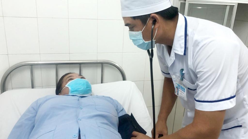 Bệnh nhân hóc xương cá hy hữu trong phế quản suốt 1 năm