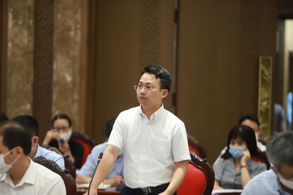 ông Trần Trung Hiếu, Phó Giám đốc Sở Du lịch Hà Nội tham luận tại tọa đàm