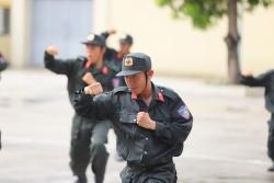 Chiến sĩ trẻ Cảnh sát cơ động rèn luyện võ nghệ sẵn sàng ra quân làm nhiệm vụ