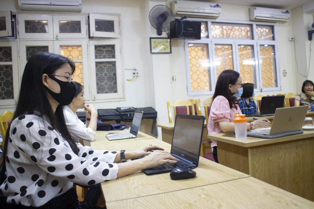 Hà Nội đã sẵn sàng hỗ trợ phụ huynh đăng ký tuyển sinh trực tuyến