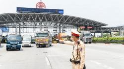 Cửa ngõ Hà Nội ùn tắc dài tại chốt kiểm soát Covid-19 cao tốc Pháp Vân - Cầu Giẽ