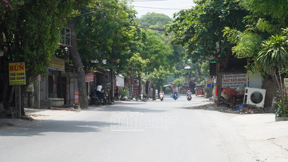 Hà Nội: Nhiều nơi sử dụng gạch, barie chặn người và phương tiện