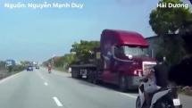 xe container chay nguoc chieu trong lan xe may tai hai duong