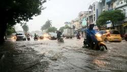 Đầu tuần mưa lớn gây ngập lụt nhiều tuyến đường ở Hải Phòng