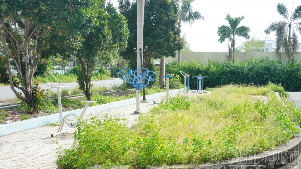 Chung cư 584 Tân Kiên - TP HCM: Nơi xuống cấp, chỗ bỏ hoang