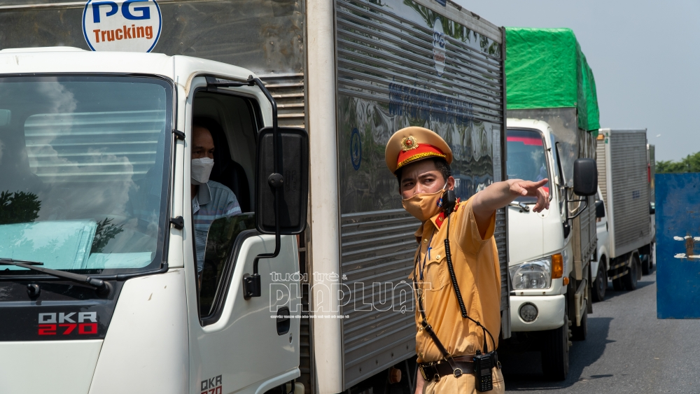 Sẽ xét nghiệm lưu động cho tài xế chở hàng hóa ở Hà Nội, Hải Phòng. Ảnh minh hoạ