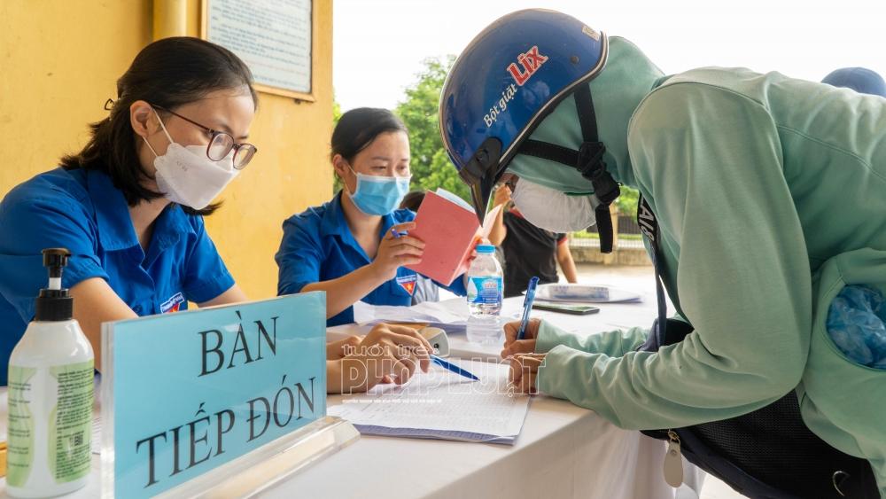 Chia sẻ khó khăn, hỗ trợ thiết thực cho người dân ngoại thành cùng vượt qua đại dịch