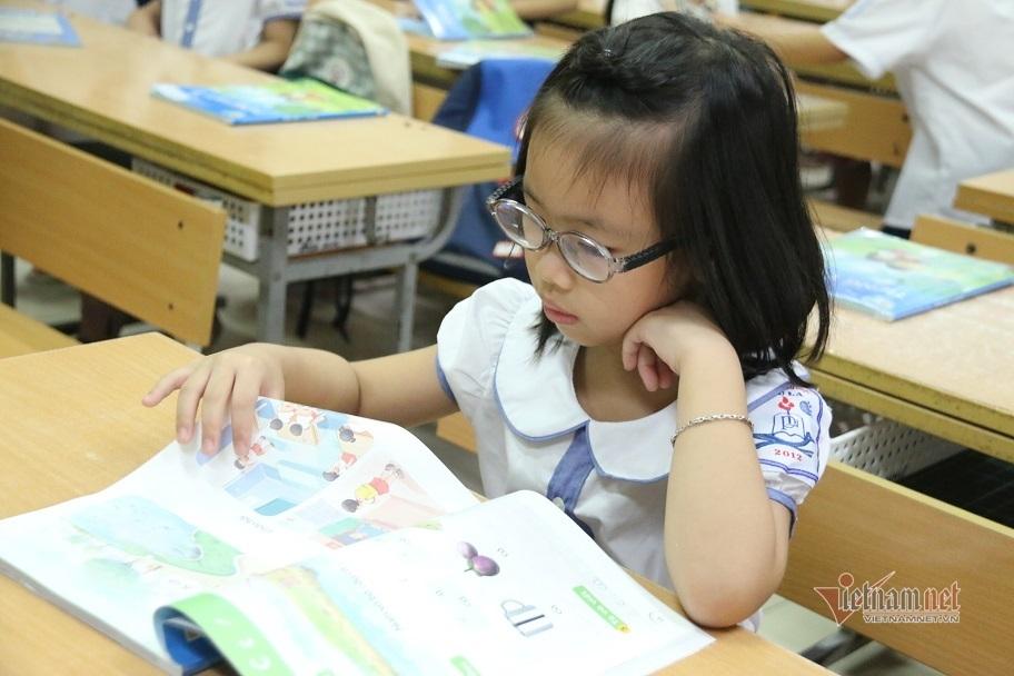 Chương trình SGK lớp 1 mới: Nặng là do chưa biết cách dạy?