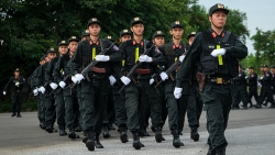 Cảnh sát đặc nhiệm luyện tập bảo vệ Đại hội Đảng