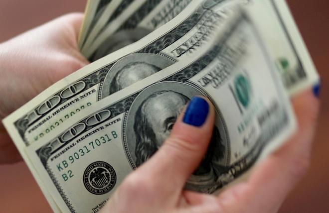 USD liên tục nhiều ngày trượt dốc