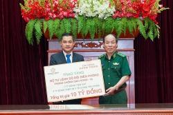 Tập đoàn Hưng Thịnh trao tặng 10 tỷ đồng cho Bộ Tư lệnh Bộ đội Biên phòng