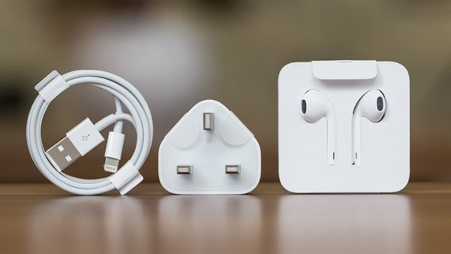 Apple sẽ không tặng kèm củ sạc và tai nghe EarPods Lightning cho iPhone XR, iPhone 11 và iPhone SE 2020 trong tương lai