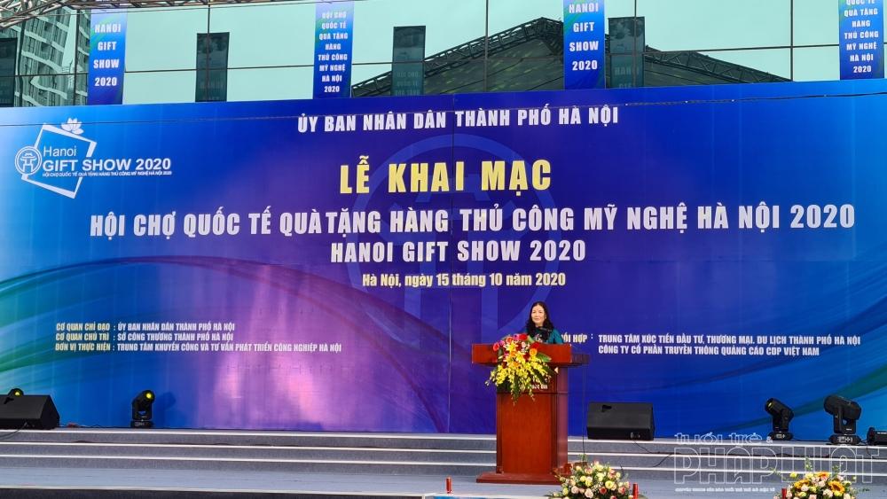 Bà Trần Thị Phương Lan - Phó Giám đốc Sở Công thương Hà Nội phát biểu khai mạc Hội chợ