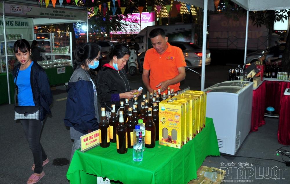 Nhiều sản phẩm đặc sắc của tỉnh Quảng Ninh xuất hiện tại Hà Nội
