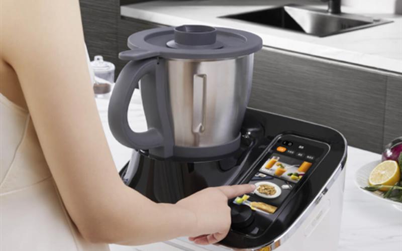 Robot nấu ăn đa năng OCooker có hệ thống phụ trợ thông minh Cookinglot
