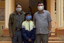 Học sinh lớp 4 ở Gia Lai đập heo đất ủng hộ 1 triệu đồng phòng, chống dịch Covid-19