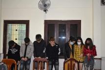 """Bắt 21 nam thanh, nữ tú """"mở tiệc"""" ma túy tại khách sạn ở Quảng Trị"""