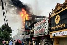 Cháy lớn gây thiệt hại nặng ở siêu thị điện máy Dũng Loan