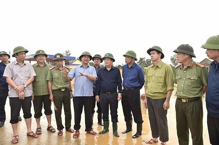 Phó thủ tướng Trịnh Đình Dũng có mặt tại Quảng Trị để chỉ đạo công tác cứu hộ cứu nạn.