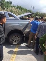 Nóng: Truy bắt hai đối tượng dùng xe bán tải chở 200kg ma túy