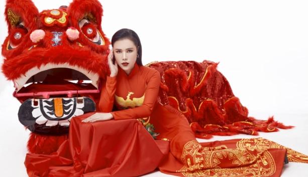 a quan nguoi ke chuyen tinh hong gam dien ao dai don xuan 2019