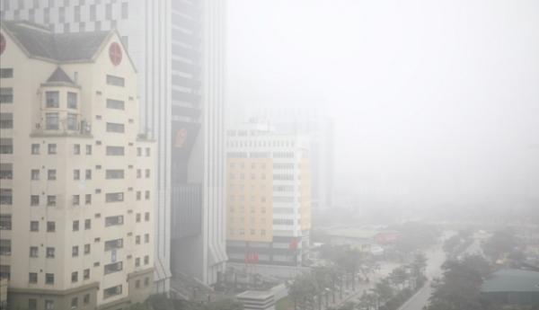 Tại các điểm quan trắc giao thông nội đô như Hoàn Kiếm, Hàng Đậu và Thành Công, có diễn biến tương tự các trạm khác, chất lượng không khí cũng chủ yếu ở mức kém và xấu.
