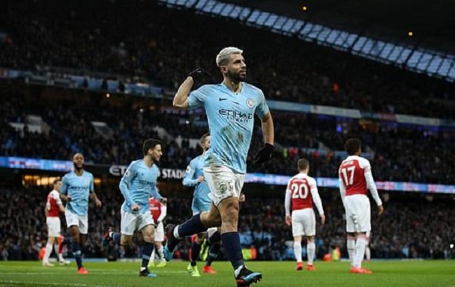 MC đại thắng Arsenal.