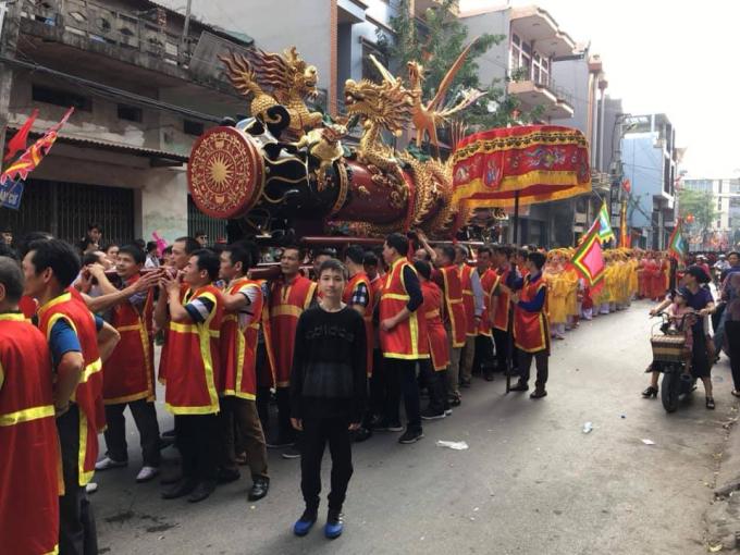 Lễ rước pháo là một trong những hình thức tái hiện nét đẹp văn hóa truyền thống của quê hương, mang lại sự tươi vui phấn khởi của người dân Đồng Kỵ trong dịp Tết đến xuân về.
