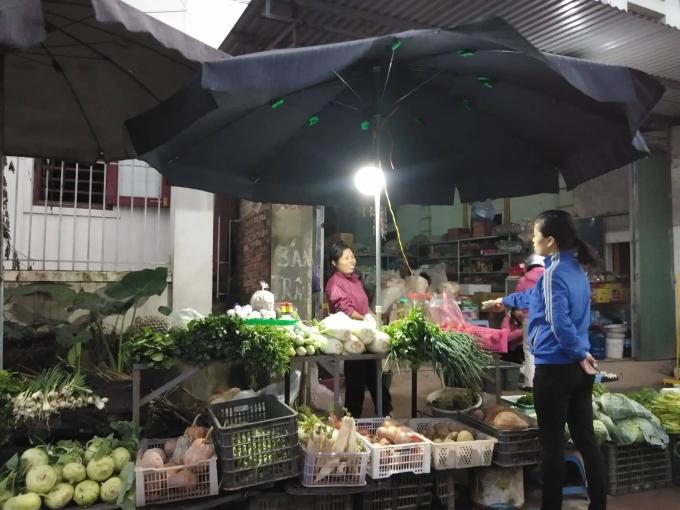 Giá thực phẩm tại các chợ dân sinh tăng chóng mặt sau Tết Nguyên đán.
