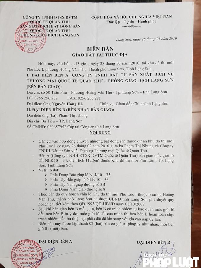Cty TNHH ĐTXD-DVTMQT Quân Thư đã bàn giao thực địa lô đất LNK 10 - 34 cho gia đình ông Chính sau khi gia đình ông nộp tiền theo đúng điều khoản trong hợp đồng
