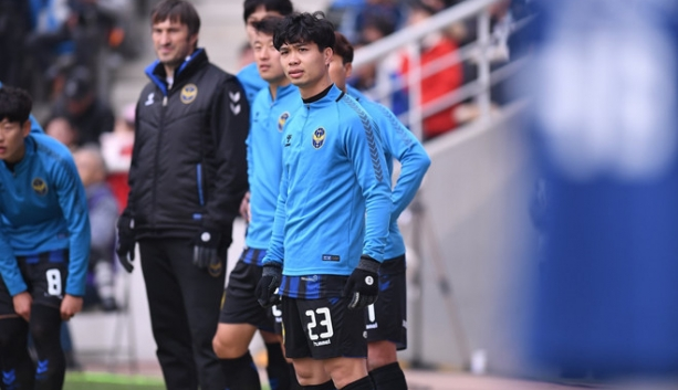 cong phuong lap hat trick cho incheon united