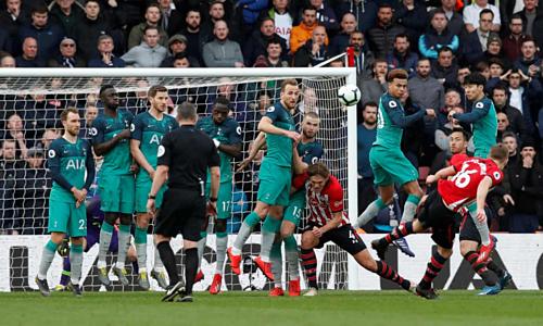 Tottenham thua trận, còn hơn Man Utd ba điểm