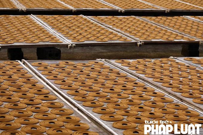 Chính vì chú trọng nguyên liệu bằng thảo mộc, không độc hại cho người dùng và người sản xuất bởi vậy hương Cao Thôn đã được xuất khẩu ra các nước như: Nhật Bản, Malaysia, Đức và nhiều nhất là Ấn Độ.
