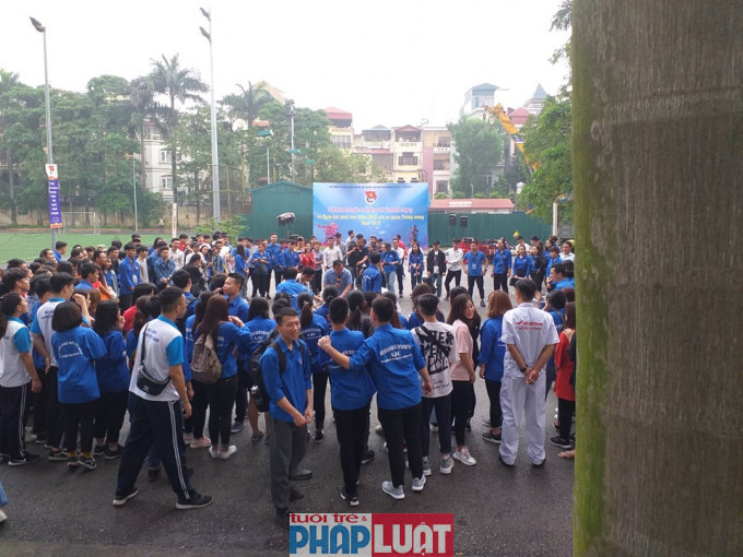 Hội thao thu hút được đông đảo sinh viên đến tham dự.