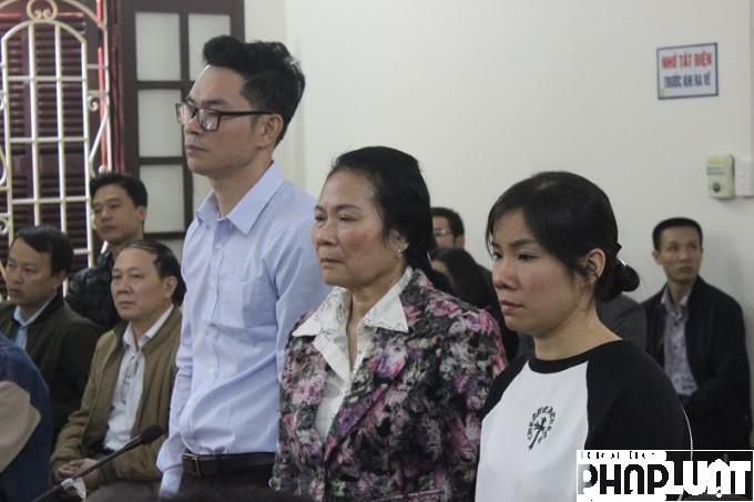 Ba mẹ con bà Nguyệt bị khởi tố về tội