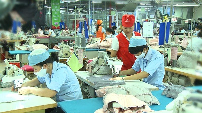 Bất chấp Covid-19, Xí nghiệp may Bỉm Sơn vẫn đảm bảo Tết ấm no cho công nhân