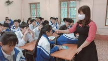 Nhiều địa phương cho học sinh nghỉ thêm 1 tuần