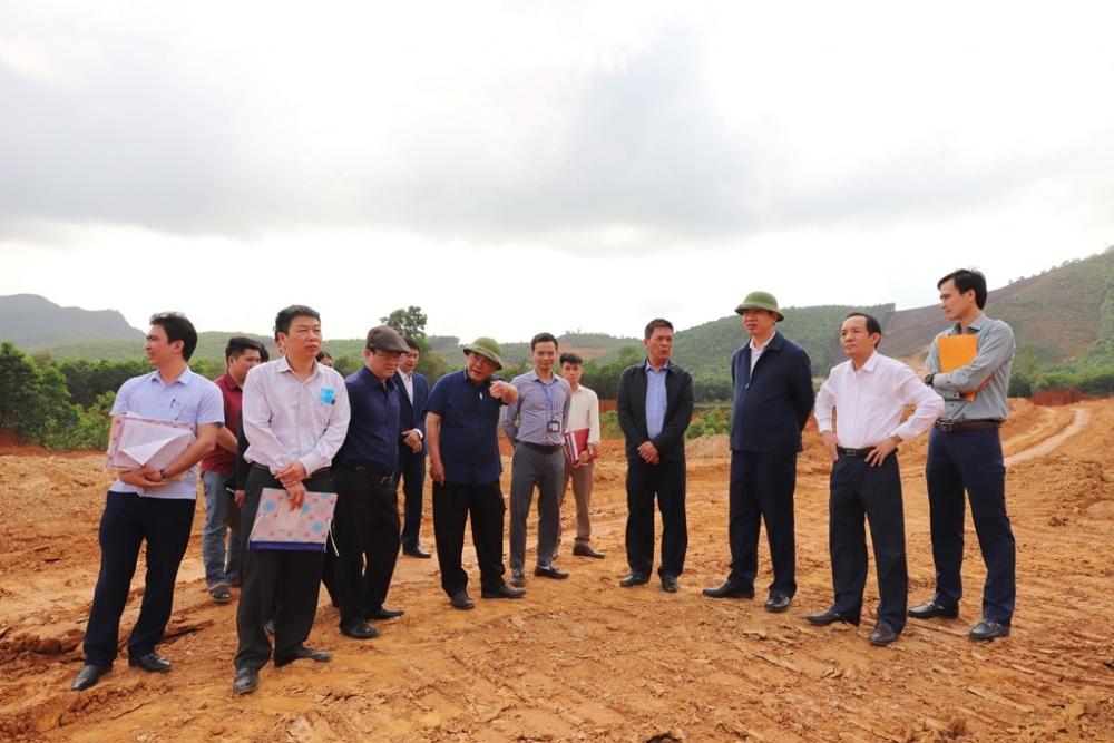 Yêu cầu tạm dừng khai thác mỏ đất tại xã Tượng Sơn, huyện Nông Cống