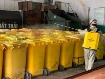 """Dịch COVID-19: Rác thải được xử lý khép kín, an toàn """"từ gốc tới ngọn"""""""