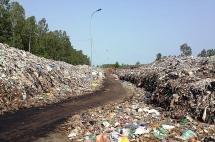 Hơn 900 bãi chôn lấp rác, Việt Nam xử lý cách nào?